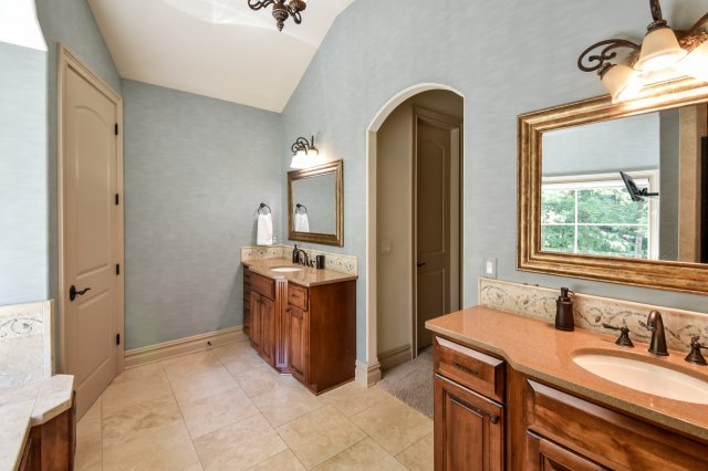 mls# 1624549 - 1735  wedgewood dr e - elm grove, wi - pic 14