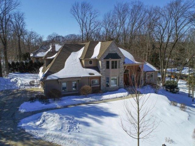 mls# 1624549 - 1735  wedgewood dr e - elm grove, wi - pic 2