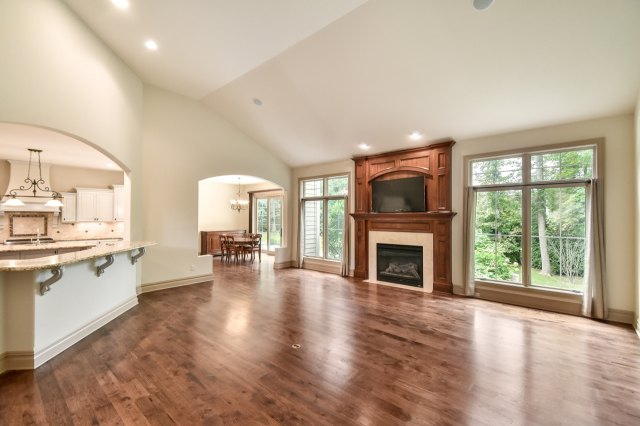 mls# 1624549 - 1735  wedgewood dr e - elm grove, wi - pic 5
