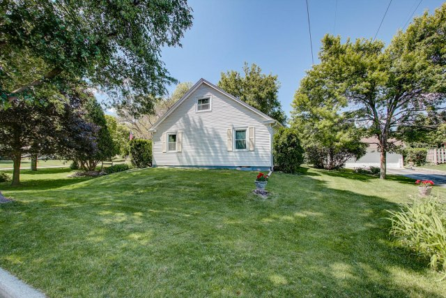 mls# 1641749 - 1306 n 120th st - wauwatosa, wi - pic 32