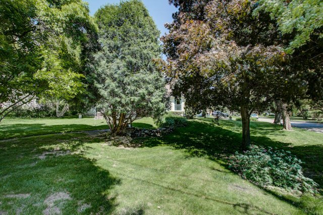 mls# 1641749 - 1306 n 120th st - wauwatosa, wi - pic 35