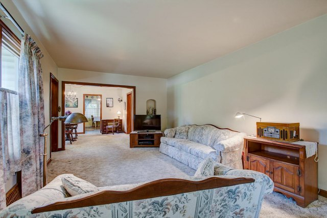 mls# 1641749 - 1306 n 120th st - wauwatosa, wi - pic 5