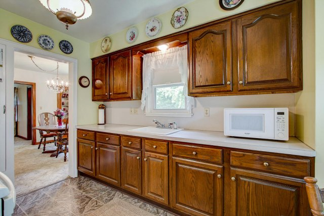 mls# 1641749 - 1306 n 120th st - wauwatosa, wi - pic 6