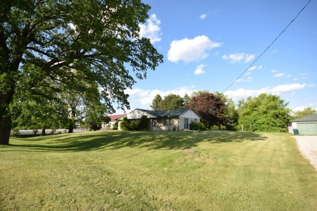 mls# 1641974 - 188 s foster st - saukville, wi - pic 3