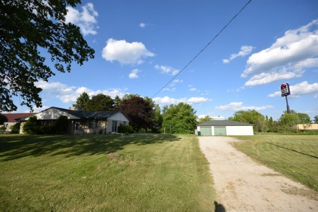 mls# 1641974 - 188 s foster st - saukville, wi - pic 4