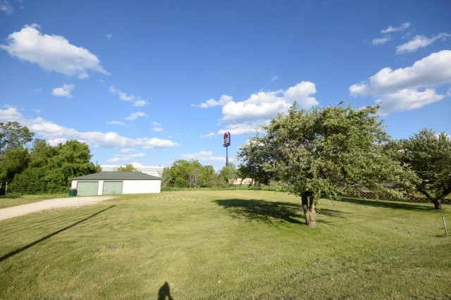 mls# 1641974 - 188 s foster st - saukville, wi - pic 9