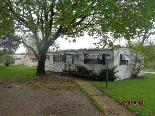 mls# 1642036 - 1485  greenfield ave - lyons, wi - pic 2