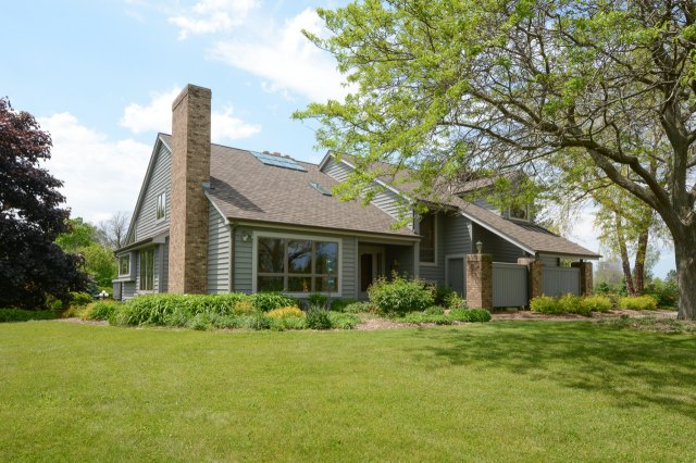 mls# 1644169 - 1115  county c - grafton, wi - pic 3