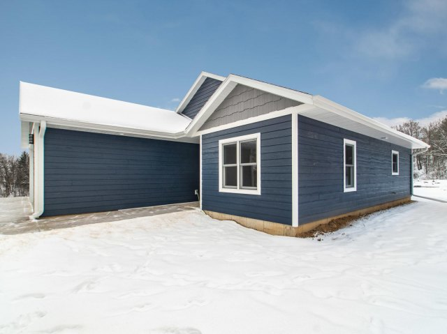 mls# 1644780 - 20153  hammer ave - galesville, wi - pic 3