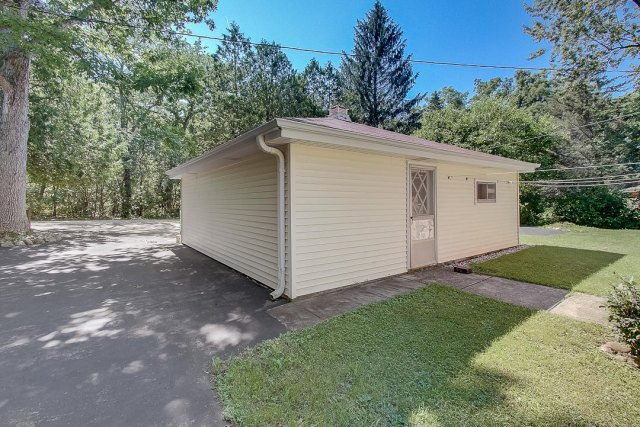 mls# 1648287 - s109w34758  jacks bay rd - eagle, wi - pic 32