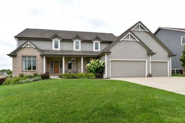 mls# 1654342 - 1773  valley dr - grafton, wi - pic 1
