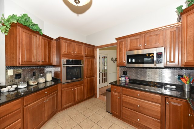 mls# 1654342 - 1773  valley dr - grafton, wi - pic 13