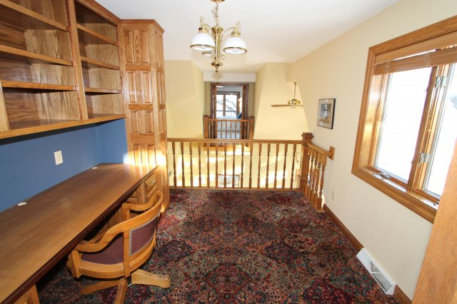 mls# 1662255 - 111 n maple ln - rochester, wi - pic 18