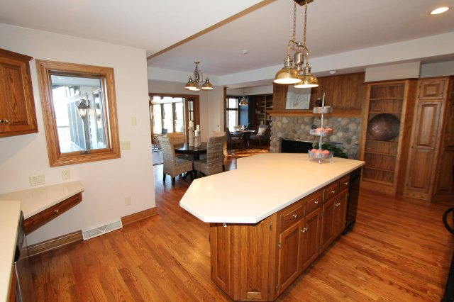 mls# 1662255 - 111 n maple ln - rochester, wi - pic 8