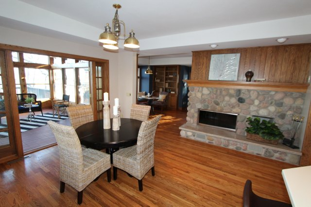 mls# 1662255 - 111 n maple ln - rochester, wi - pic 9