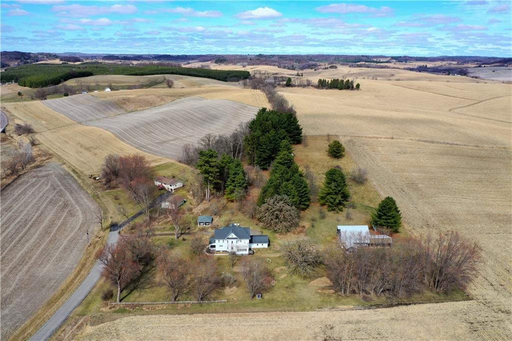 mls# 1551807 - n40696 christopherson rd - osseo, wi - pic 3