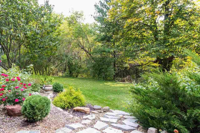 mls# 50229567 - n590 rabbit road - dale, wi - pic 11