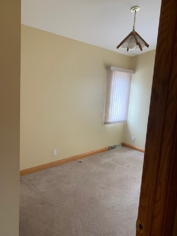 mls# 50237880 - s70w17655 muskego drive - muskego, wi - pic 5
