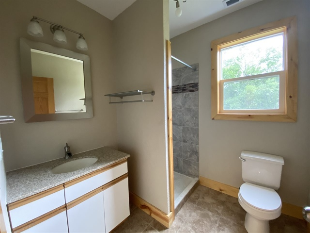 mls# 1900835 - 415 bench st - lynxville, wi - pic 8